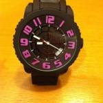 スパイダーという腕時計を購入しました